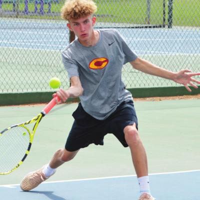 Clinton tennis returns with multiple state qualifiers
