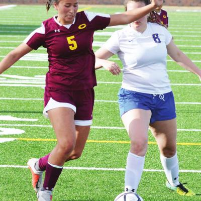 Thompson plays team-first role for Lady Reds