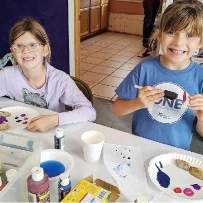 Girl Scouts hunt for badges
