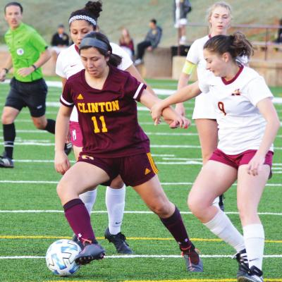 Clinton powers through Panthers