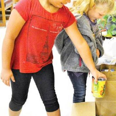 Students donate food