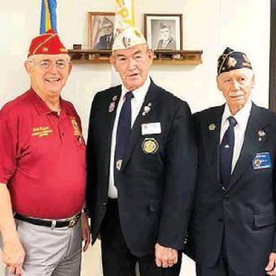 Post 41 meets with national officer