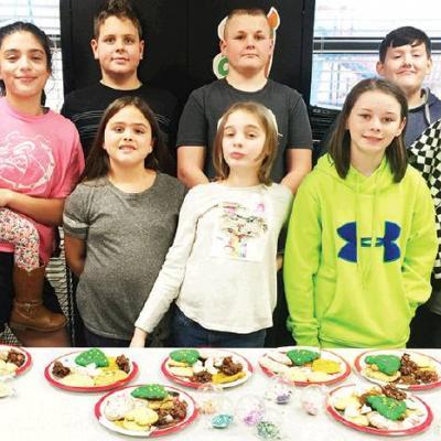 4-H members hold Christmas meeting
