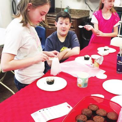Students preparefor 'cupcake wars'